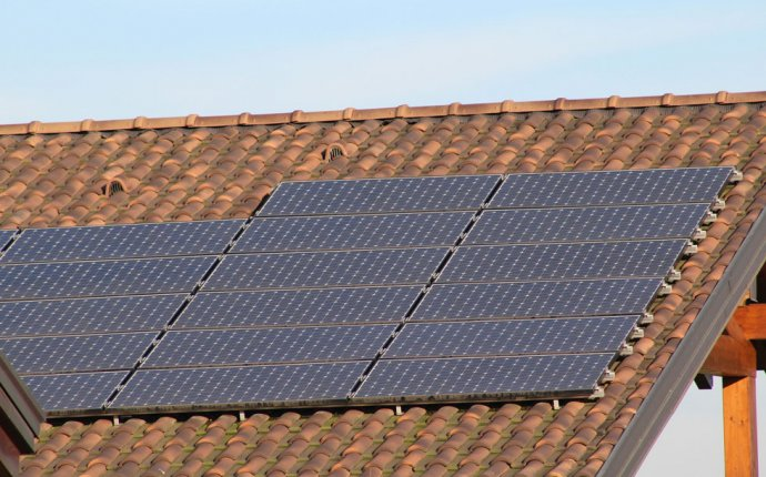 8 Factors to Consider Before Installing Solar Panels | LEDwatcher