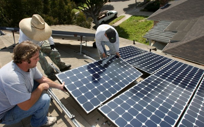 Audio: Solar installations boom nationwide in 2016, but cool in
