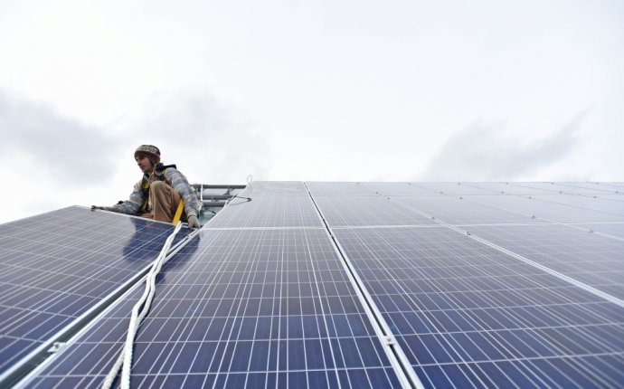 Maine PUC proposing to phase out incentives for home solar panels