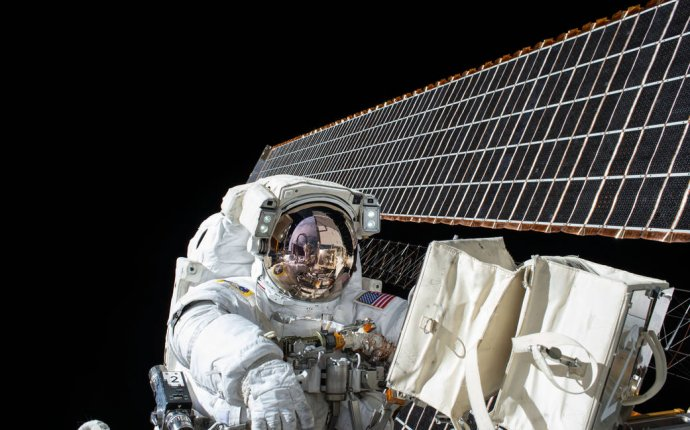 What kind of solar panels does NASA use?