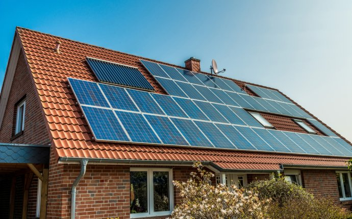 how to save solar energy at home